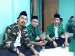 Ketua Ansor Setu Irfan Alamsyah (kiri) bersama koleganya.